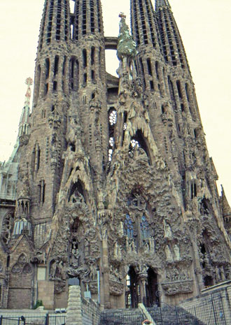 catedral sagrada famillia barcelona spain 01