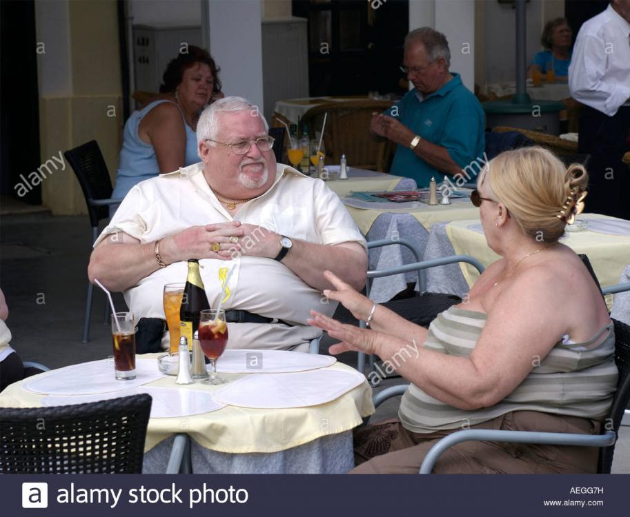 morbidly obese couple.jpg
